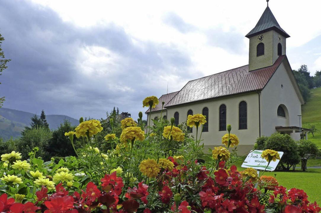 Alles blüht: Elf Vereine haben im Kurgarten individuelle Blumenbeete gepflanzt.   | Foto: dirk sattelberger