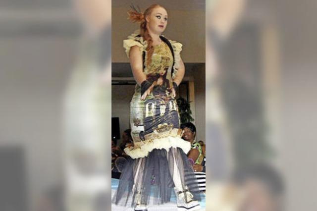 Model mit Downsyndrom läuft bei der New York Fashion Week