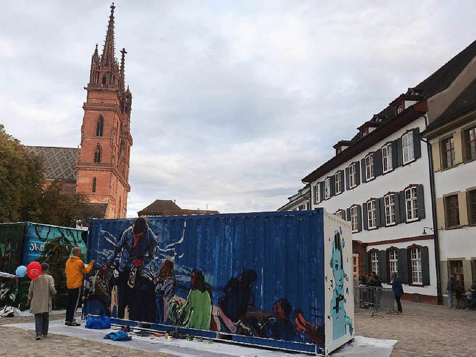 Der historische Münsterplatz zeigte sich als Zentrum moderner Streetart.  | Foto: Tamara Keller