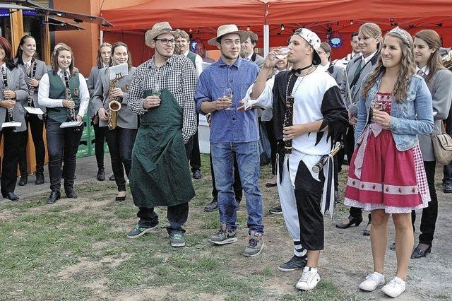 Gelungene Weinpremiere beim AJZ in Wyhl