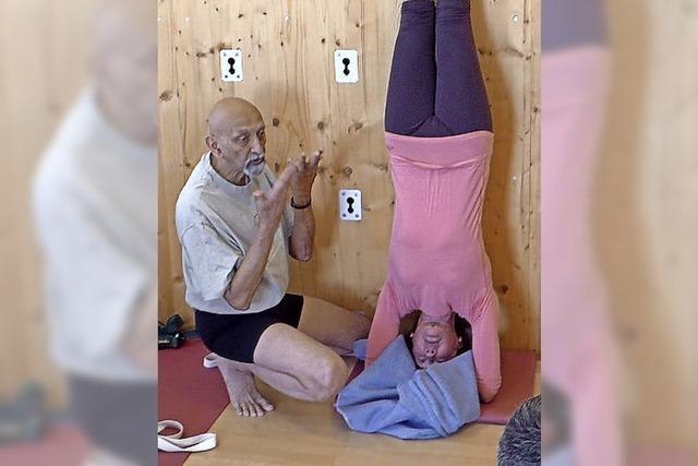 Verfeinerung der Yogapraxis mit Profi