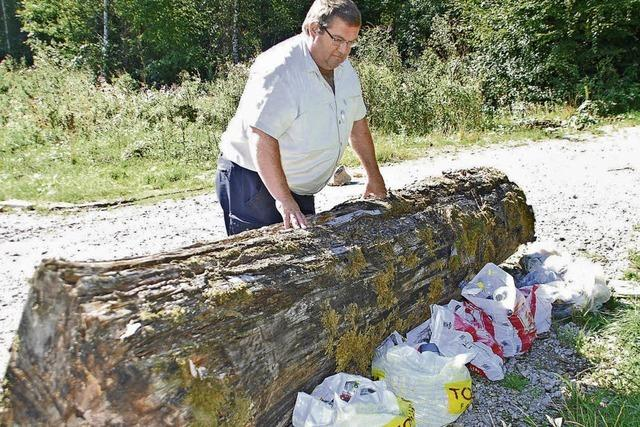 Täglich fliegt Müll in den Wald