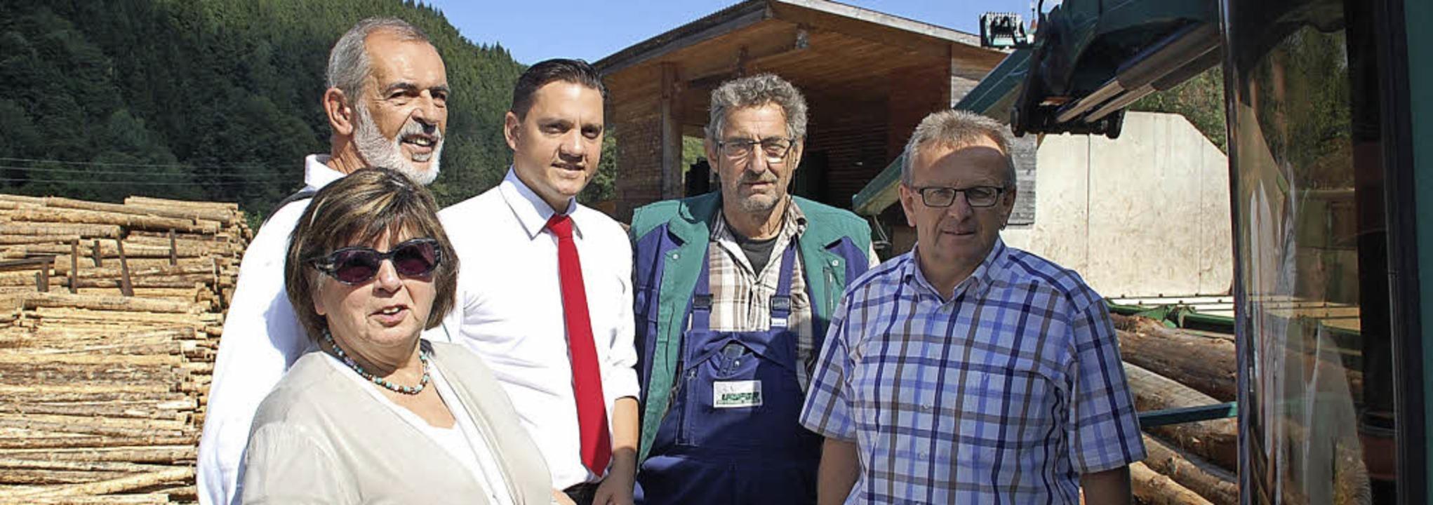 Zu Besuch im Sägewerk Läufer (von link...  Vorsitzender SPD-Ortsverein Elzach.   | Foto: zvg