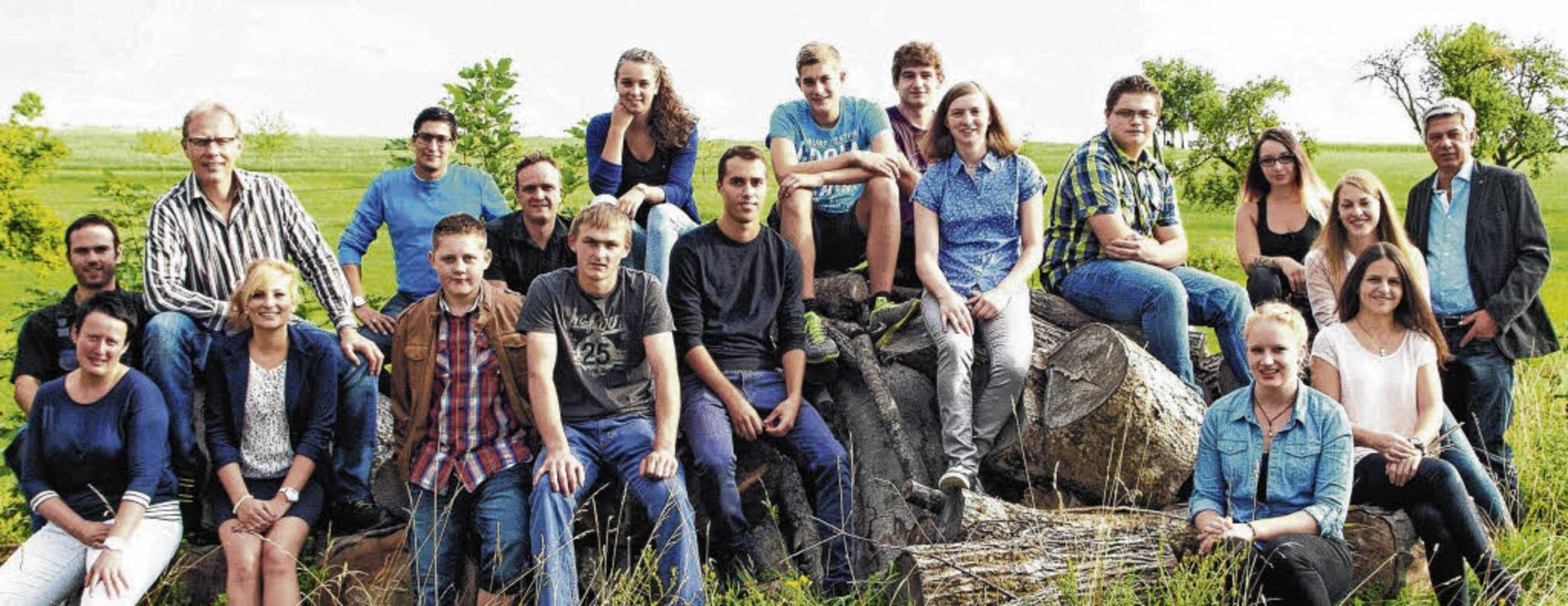 Zwölf Auszubildende starten bei der Firma Frei Lacke in Döggingen.     Foto: Privat