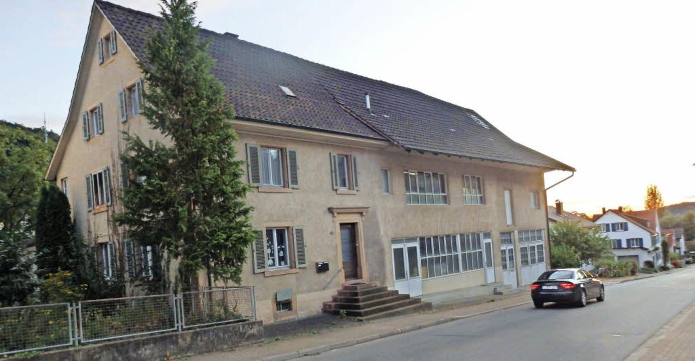 Abgerissen werden sollen alle Gebäude auf dem Grundstück an der Riehenstraße     Foto: Johanna Högg