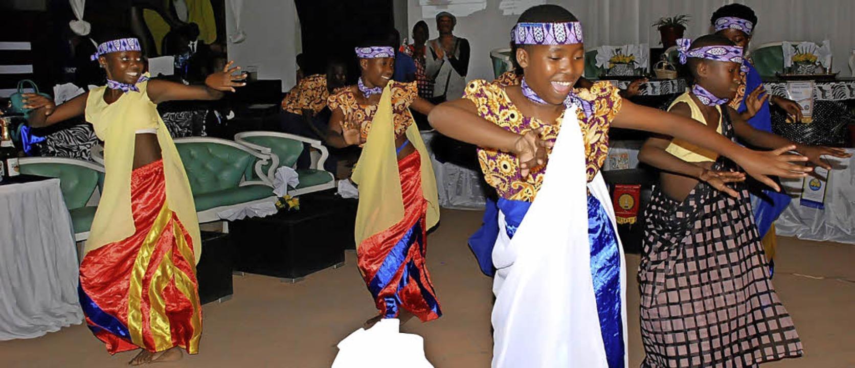Kulturelle Angebote wie das Tanzen wer... Menschen werden Perspektiven geboten.  | Foto: ZVG