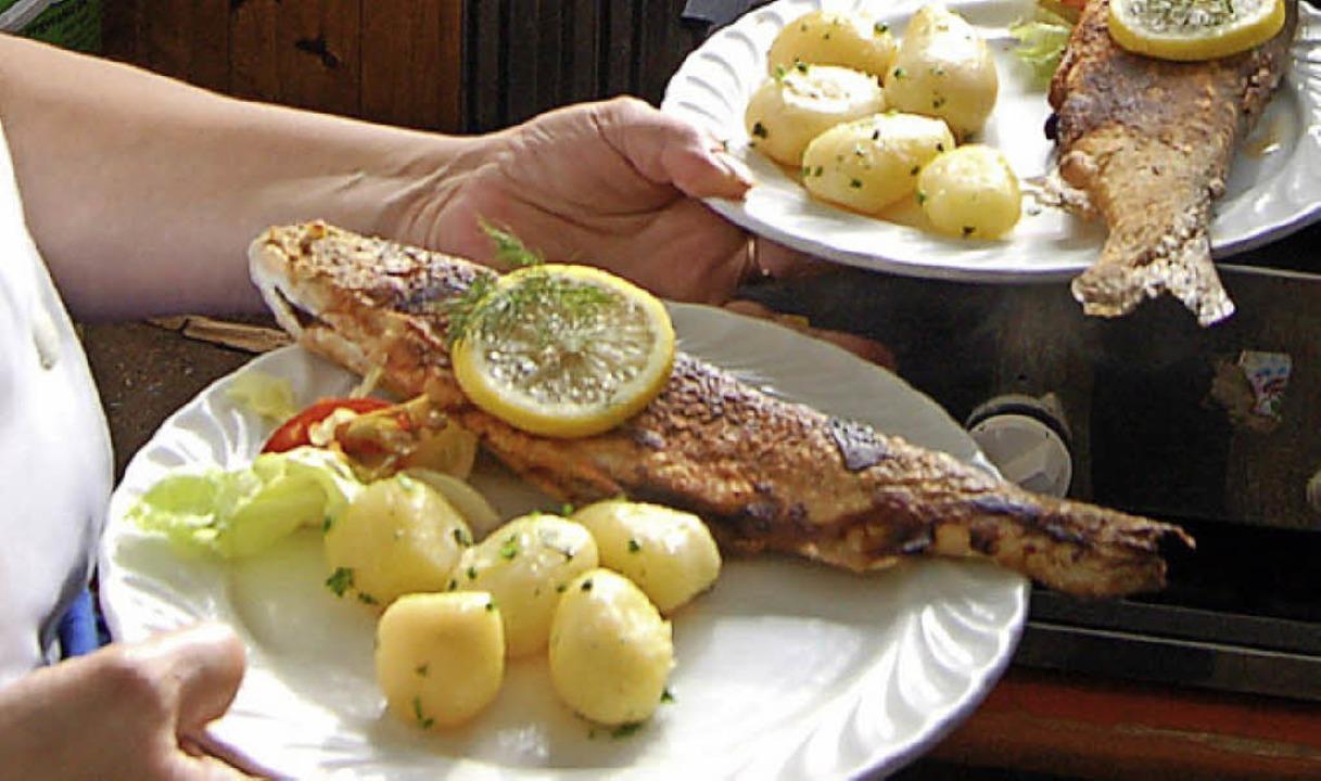 Fisch frisch auf dem Tisch gibt es beim Todtnauer Fischerfest.  | Foto: Karin Maier
