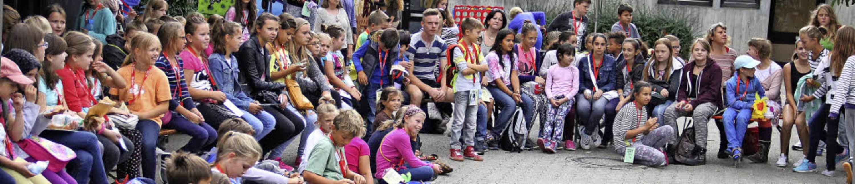 Vollversammlung in der kleinen Stadt :...tionen, die sie für den Tag brauchen.   | Foto: Judith Reinbold