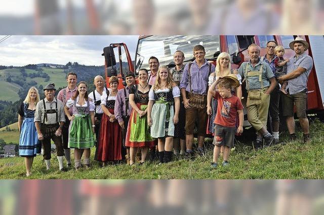 In Lederhose und Dirndl zum Oktoberfest am Gummenwald