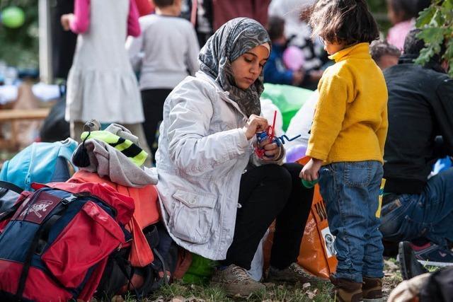 Mehr Flüchtlinge als erwartet: Stadt will Container-Heime bauen