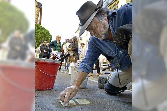 18 neue Stolpersteine erinnern in Freiburg an Regime-Opfer