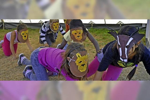 Kinder feiern Abschlussfest der AWO-Stadtranderholung