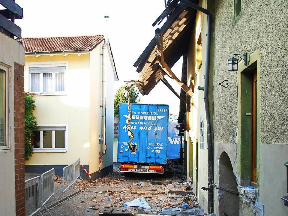 Von einer abschüssigen Strecke kommend...len – es blieb beim Sachschaden.    Foto: Ralf Staub