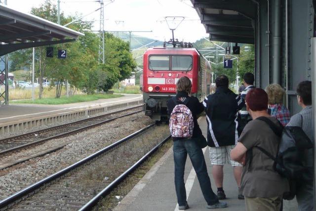 Attacke auf Zugbegleiter legt Höllentalbahn lahm