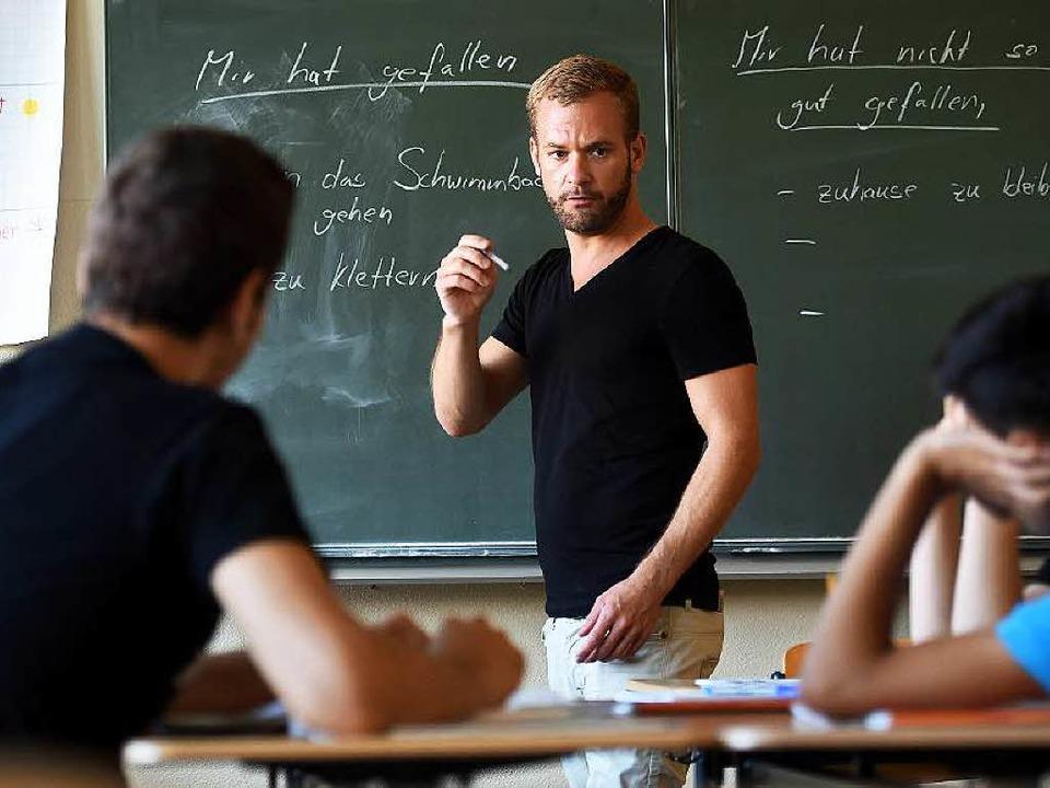 Zum Unterrichtsbeginn am Montag gibt e...ttemberg so viele Lehrer wie noch nie.  | Foto: dpa