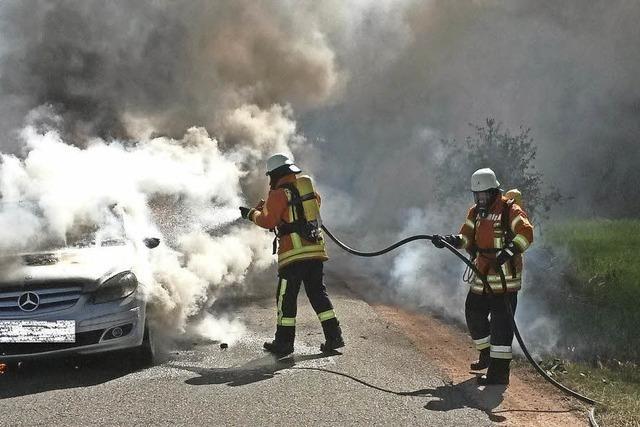 Wehr stoppt Flächenbrand