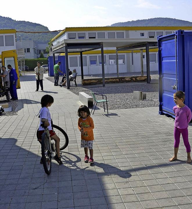 Die Container im Bad Säckinger Gewerbe...rkungskreis von  Refugees Integrated.   | Foto: Hrvoje Miloslavic
