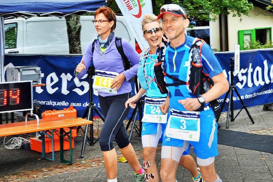 Gute gelaunt waren die Läufer und Läuferinnen. Kein Wunder, die Strecken und das Wetter waren perfekt (Foto: Horst Dauenhauer)