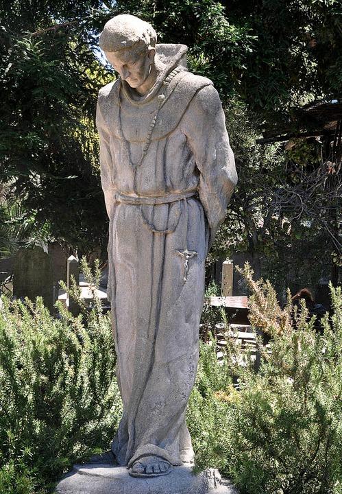 Statue von Junípero Serra auf dem Frie...r Mission San Dolores in San Francisco  | Foto: Jens Schmitz