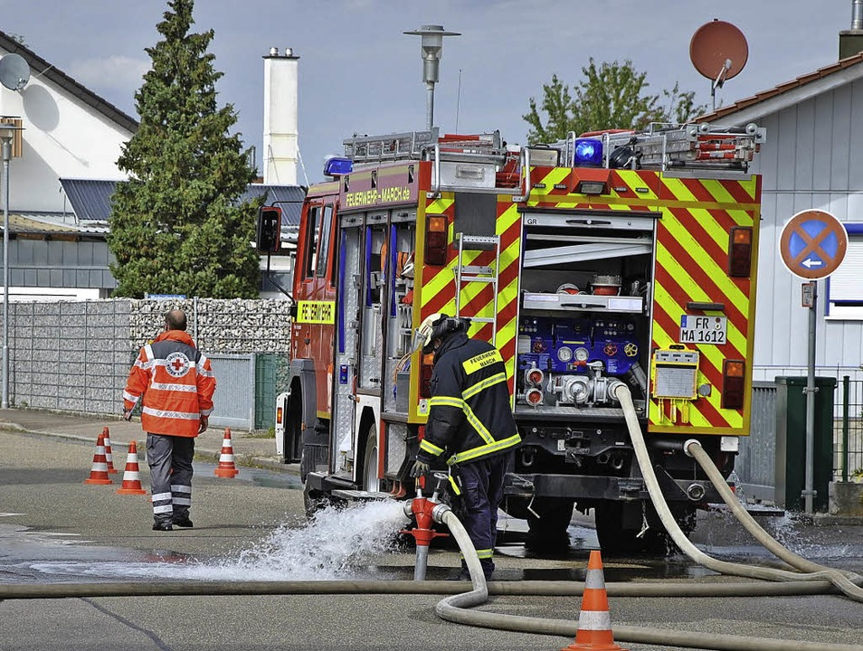 Mehr als 40 Feuerwehrlaute haben am Sa...s jedoch das ein oder andere Problem.   | Foto: Ralph Fautz