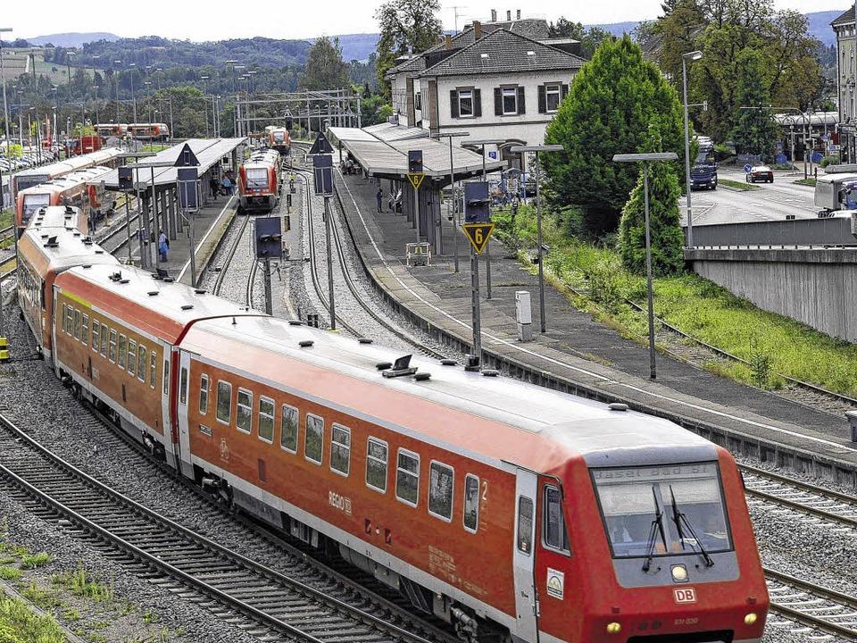 Der dieselbetriebene Interregioexpress...tieg wird sich dadurch nichts ändern.   | Foto: Manfred Herbst