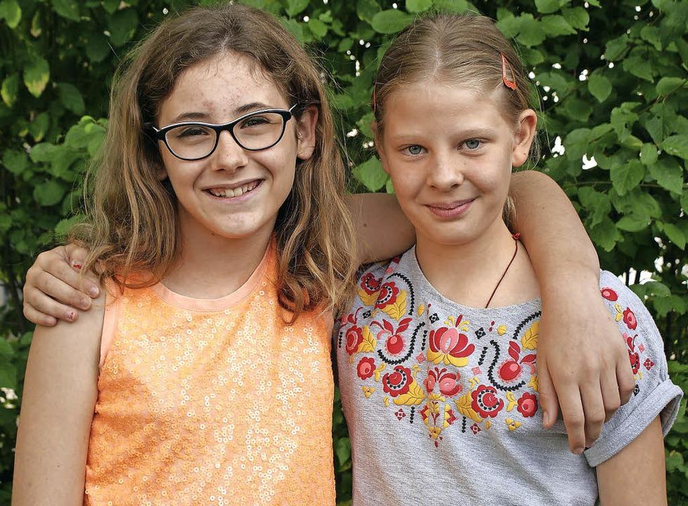 Dicke Freundinnen: Margot Le Coz (links) und Mia Reichwein   | Foto: Sonja Zellmann