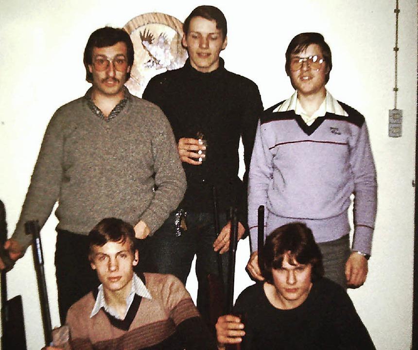 In den 70er Jahren eine der ersten Luf...rne) Harald Schmidt und Matthias Laber  | Foto: Verein