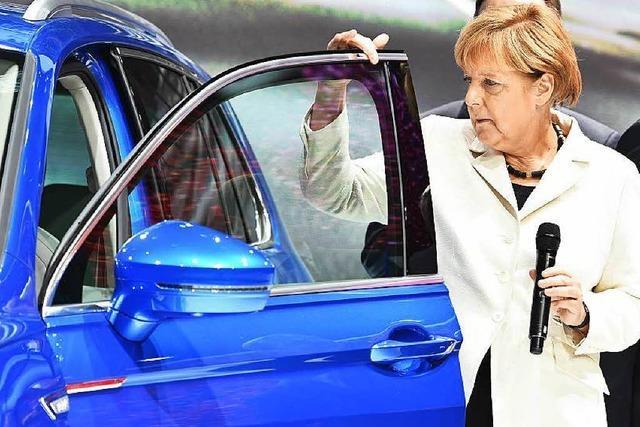Das selbst einparkende Auto begeistert die Kanzlerin