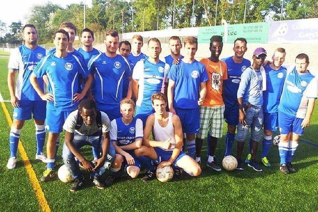 Flüchtlinge aus Gambia kicken im SV Istein mit