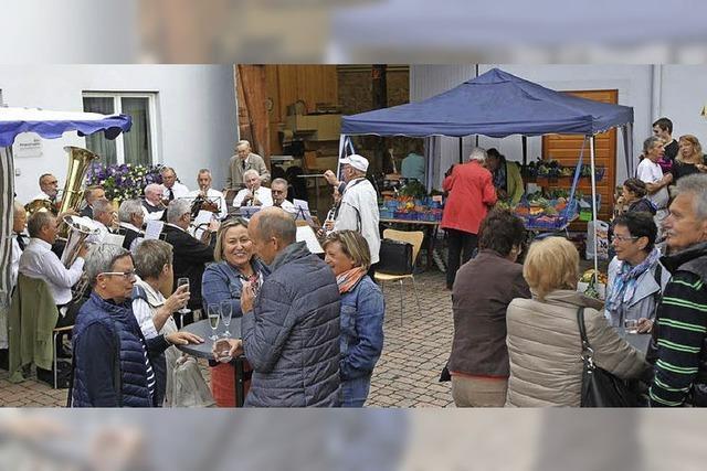 Wochenmarkt am Rathaus gibt es seit einem Jahr