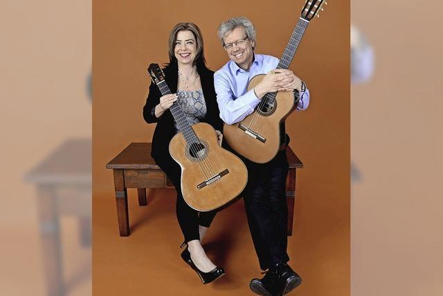 1. Schlosskonzert mit internationalem Gitarrenduo in der Stadthalle Wehr