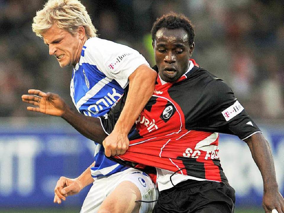 Ein echter Kämpfer: So ist Eke Uzoma  ... im Dress des SC Freiburg aufgefallen.  | Foto: dpa