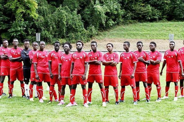 Am Montag kickt die BZ im Freundschaftsspiel gegen das Team Afrika