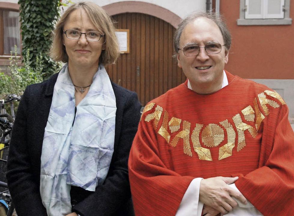 Gemeindeassistentin Regina Eppler und Pfarrer Klaus Fehrenbach    Foto: Ilona Hüge