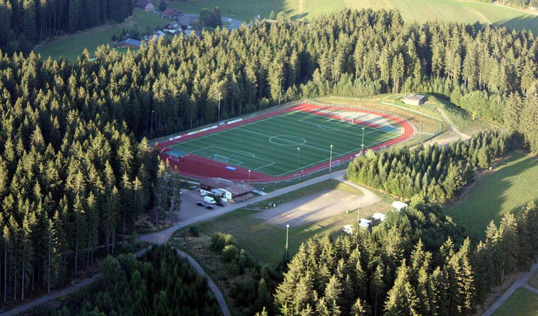 Eine himmlische Perspektive auf den gesegneten Sportplatz     Foto: Gert Brichta