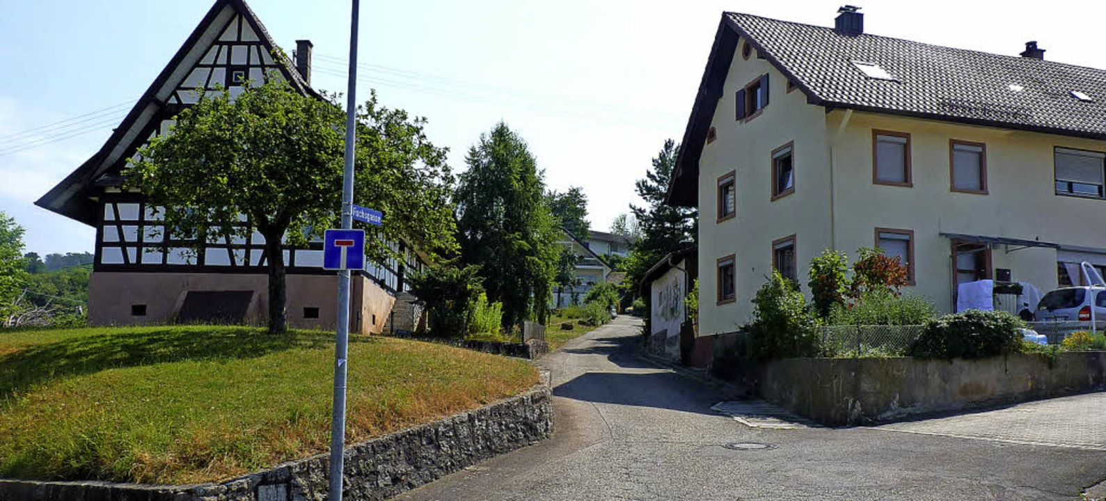 Im Bereich Fuchsgasse (l.) soll ein Wohnblock mit neun Wohneinheiten entstehen.     Foto: weizenecker