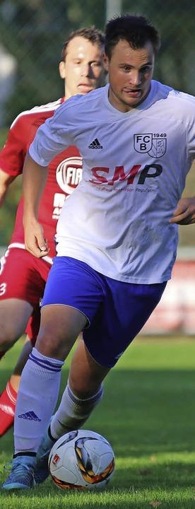 Mann des Tages: der dreifache Schütze für den FC Bötzingen, Florian Ries  | Foto: Jutta Geiger
