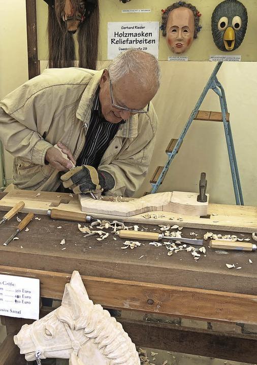Holzarbeiten für ein Schaukelpferd  | Foto: Georg Voß