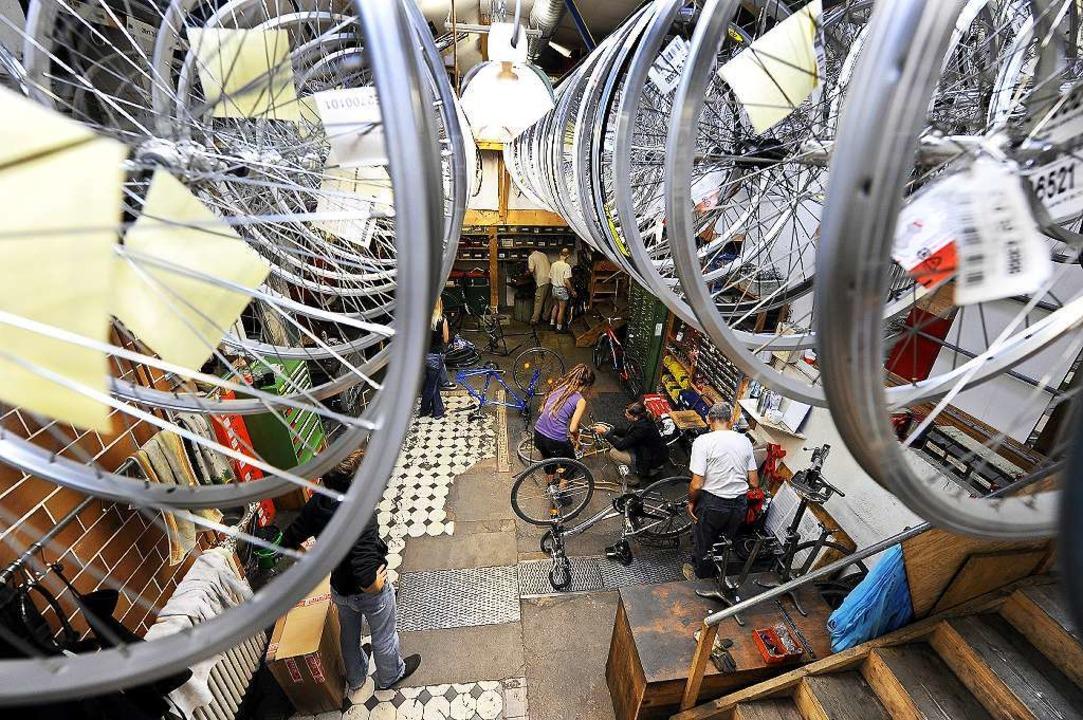 Die Profis haben den Überblick: die Se...lfewerkstatt in der Freiburger Fabrik   | Foto: Ingo Schneider