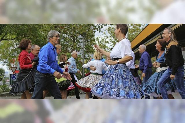 Three Country Dancers sorgen für Farbtupfer am Slow-up