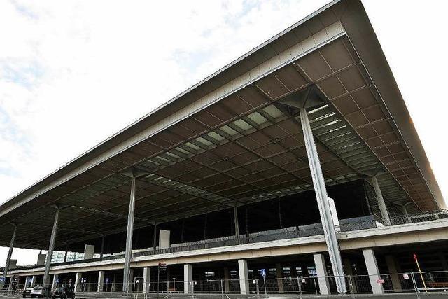 Baustopp am Flughafen weckt Zweifel an Eröffnung 2017
