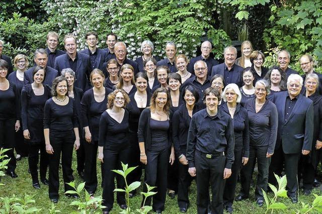 Der Freiburger Kammerchor singt in der Kirche St. Urban in Freiburg-Herdern