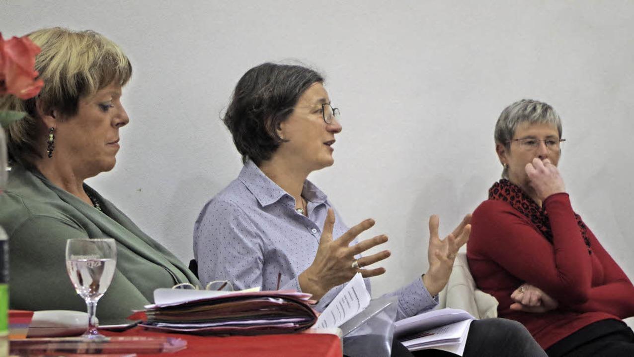 Zur Lage von Flüchtlingen im Land und ...ezernentin Ulrike Kleinknecht-Strähle.    Foto: Katharina Bächle