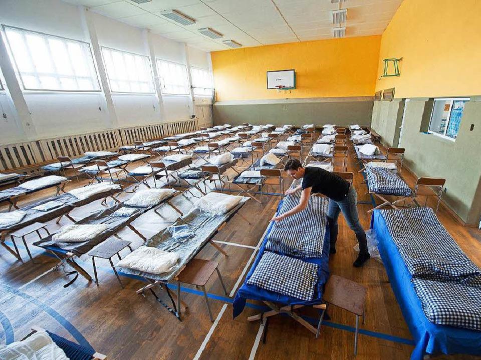 Doppelt so viele Flüchtlinge wie bisla...chen Logistik auf eine Belastungsprobe  | Foto: dpa