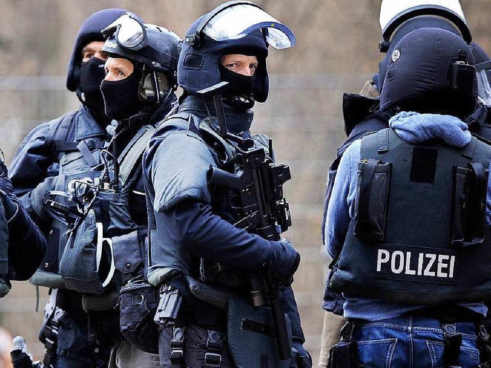 Die Polizei durchsuchte das Kasernenareal in Donaueschingen (Symbolbild).    Foto: dpa
