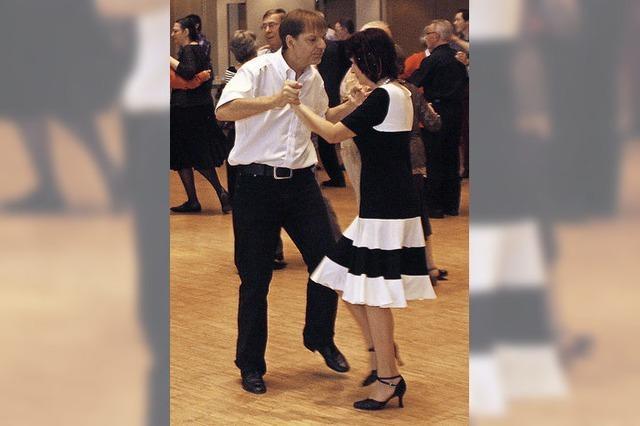 Zum Tanz in den Herbst gibt's auch Line Dance