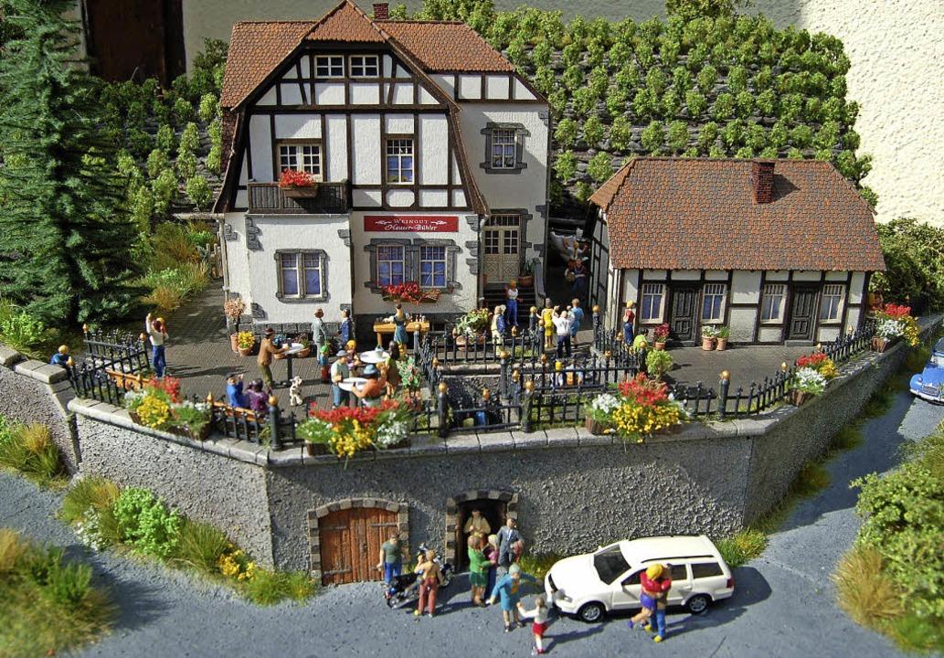 Das Weingut Hauser-Bühler gibt es jetzt auch als Modellbausatz.   | Foto: Thomas Rhenisch