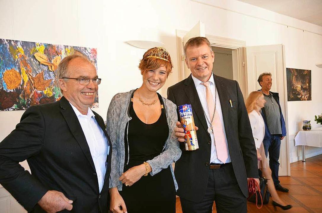 Josefine Schlumberger mit Helmut Grether (links) und Dirk Blens    Foto: sigrid umiger