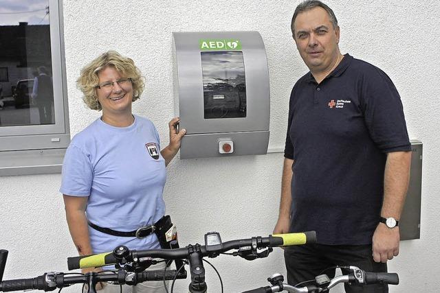 Defibrillator hilft in Rotzel