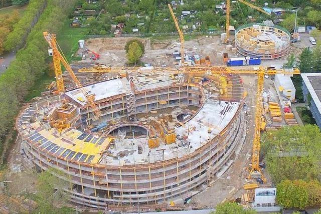 So wächst das neue Freiburger Rathaus in die Höhe